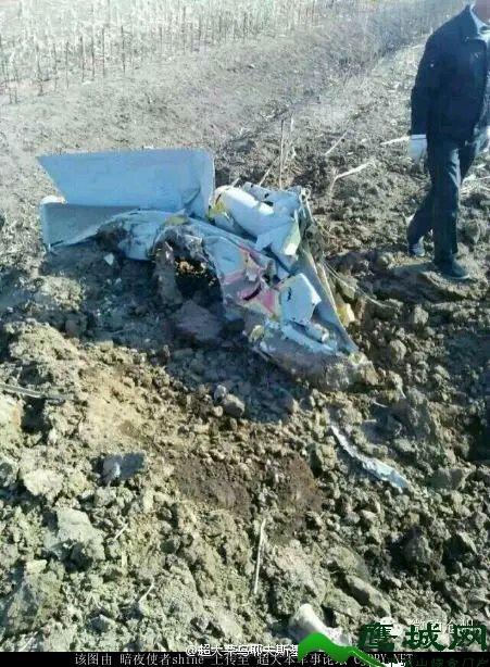 疑似一架歼7战斗机在沧州市海兴县辛集镇宋王村坠毁