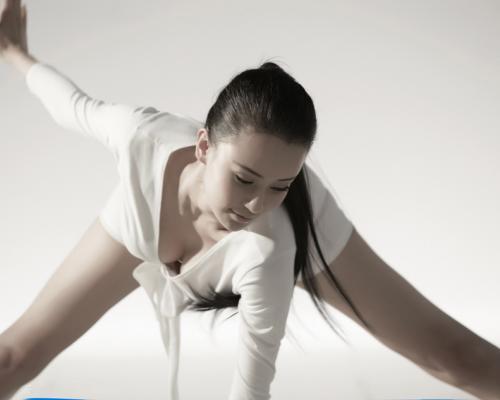 亚洲最美瑜伽导师母其弥雅再爆性感写真