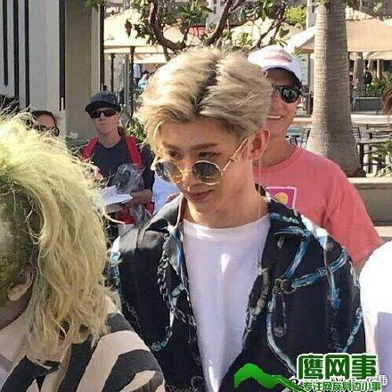 蔡徐坤的眼神不简单 是不是在确认真爱?